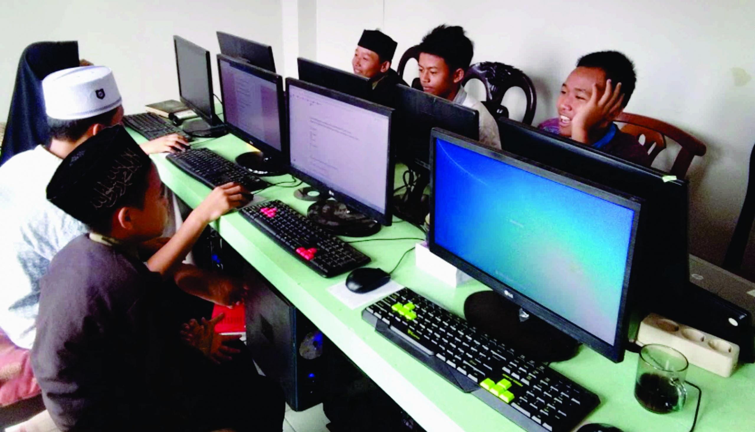 Lab Komputer Yayasan